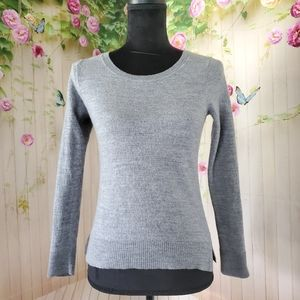 Ellen Tracy scoop neck long sleeve sweater